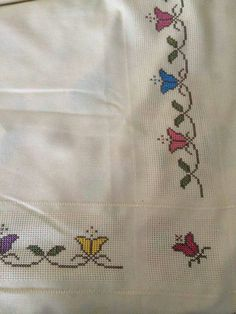 Alıntı Cross Stitch Borders, Stitch 2, Cross Stitch Embroidery, Le Point, Needlepoint, Embroidery Designs, Embroidered Towels, Cross Stitch Rose, Patchwork Cushion