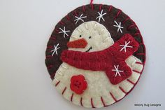 Ivory Wool Felt Snowman Ornament Chocolate di WoollyBugDesigns