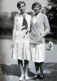 Annemarie Schwarzenbach with her roommate from Paris