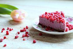 Oikeasti helppo raakakakku – eihän se vaadi edes uunia! How Sweet Eats, Cheesecake, Pudding, Baking, Desserts, Sari, Food, Tailgate Desserts, Saree
