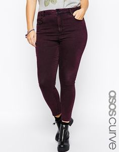 ASOS CURVE – Ridley – Knöchellange Jeans in Wine-Acid-Waschung