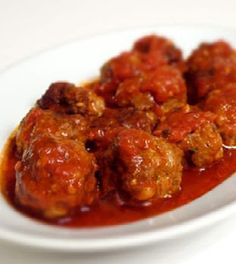 Albondigas a la Habanera. (Havanera Meatballs) - Cuban Recipes - Albondigas a la Habanera. (Havanera Meatballs) – Cuban Recipes my brother in law came from Cuba t - Mexican Food Recipes, Crockpot Recipes, Vegetarian Recipes, Cooking Recipes, Healthy Recipes, Ethnic Recipes, Cuban Dishes, Cuban Cuisine, Colombian Food