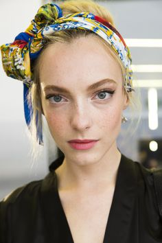 Dolce & Gabbana Spring 2016 Ready-to-Wear Beauty Photos - Vogue