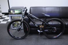 Downhill Bike, Mtb Bike, Bmx Bikes, Bicycle, 24 Bmx, Yeti Cycles, Dirt Jumper, Pedal Pushers, Dirtbikes