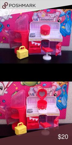 Shopkins makeup spot collection. Big collection. And in good shape. Shopkins Other