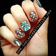 Swirls - Nail Art