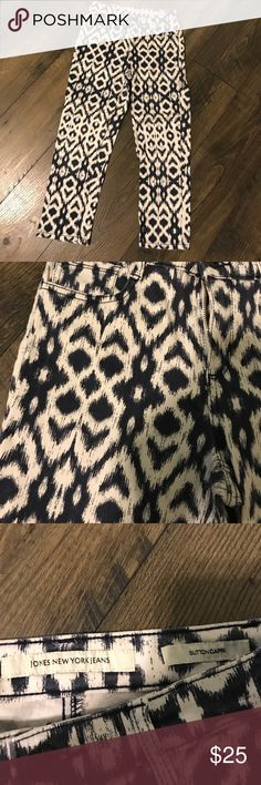 Blue and White capris Navy blue and white capris. These pants were only worn once but are super cute with a plane blue blouse or tshirt. They are stretchy which makes them extremely comfortable! Jones New York Jeans - ButtonCapri Jones New York Pants Capris