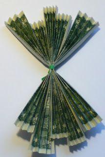 Let's create: Dollar Bill Rose Tutorial Origami Paper Folding, Origami Love, Paper Crafts Origami, Origami Design, Origami Flowers, Paper Flowers, Folding Money, Money Rose, Money Lei