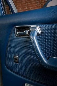 Details..W123
