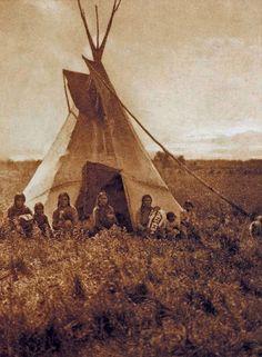 Chipewyan women and children - circa 1928