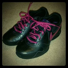 Womens nike reax rockstar 2 ,never worn sz 7 New without tags or box ,sz 7 nikes my loss your gain , to small for me Nike Shoes Athletic Shoes
