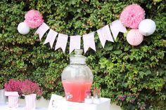 El bautizo de Micaela I: La decoración, banderines, bautizo, decoración, baptism, decoration, pink, rosa, pink lemonade, flowers,