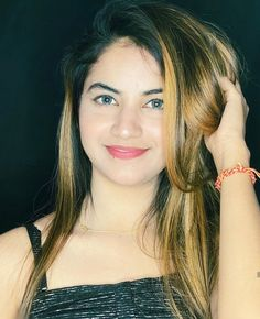 Priyanka Mongia is one of the most liked Tik Tok star in india . She is one of the fastest growing tik toker in india . Beautiful Blonde Girl, Beautiful Girl Photo, Beautiful Girl Indian, Beautiful Smile, Stylish Girls Photos, Stylish Girl Pic, Cute Girl Face, Cute Girl Photo, Girl Pictures