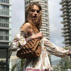 14.9 χιλ. ακόλουθοι, ακολουθεί 4,926, 970 δημοσιεύσεις - Δείτε φωτογραφίες και βίντεο στο Instagram από το χρήστη Chic & Unique by V&R (@chicanduniquebyvr_) Handmade Bags, Bohemian, Chic, Stylish, Instagram, Unique, Women, Fashion, Handmade Purses