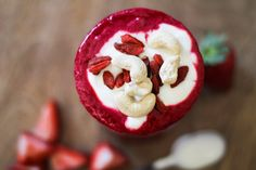 An anti-inflammatory smoothie with beets, ginger, turmeric, and strawberries boosts your immune system and helps ease all the bloat. I made this smoothie because I was bloated. There, I said it. Fr…