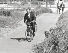 Love this 1967 photo of Martin Luther King Jr. on a bike.