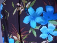 Good weight, Blue Flowers on Brown