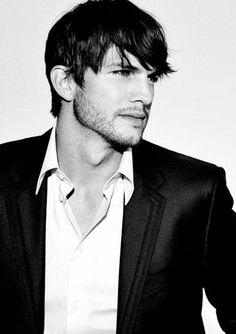 Ashton Kutcher ✔BWC