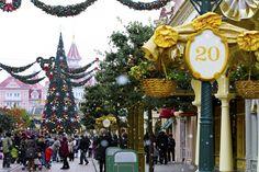 La magia del Natale a Parigi e Disneyland Paris http://www.piccolini.it/post/505/la-magia-del-natale-a-parigi-e-disneyland-paris/