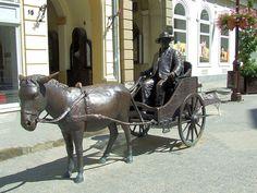 Trischler Ferenc szobrászművész alkotása (2009) Rippl-Rónai József szobra Kaposváron (Fő utca).