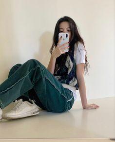 Kpop Fashion Outfits, Korean Outfits, Mode Outfits, Girl Outfits, Swaggy Outfits, Casual Outfits, Estilo Beatnik, Korean Girl Fashion, Mode Streetwear