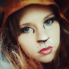 Are you looking for inspiration for your Halloween make-up? Browse around this site for creepy Halloween makeup looks. Halloween 2018, Scary Halloween, Wolf Make Up Halloween, Women Halloween, Halloween Party, Lion Makeup, Animal Makeup, Werewolf Makeup, Cat Makeup