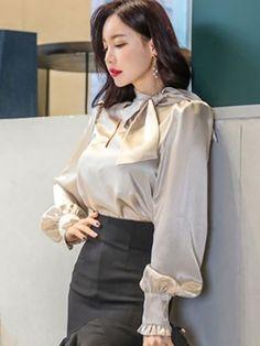 Bowknot Long Sleeve Loose Standard Women's Blouse