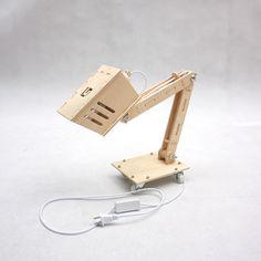 Fancy Modern Retro Adjustable DIY Assembled Wooden Desk Lamp 110-220V