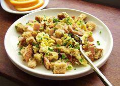 Egg, Organic Ham and Toast Scramble