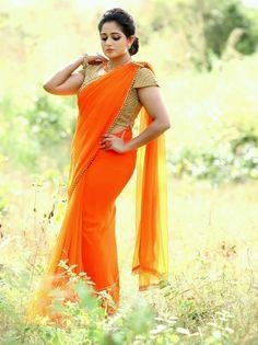 Nayanthara, Trisha and Bhavana sizzle in Saree Ads. Beautiful Saree, Beautiful Dresses, Beautiful Women, Kerala Saree Blouse Designs, Simple Sarees, Fancy Sarees, Traditional Fashion, Indian Beauty Saree, Indian Sarees