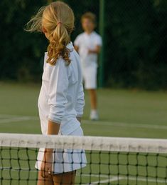 An Instructor for Your Child – Learn Tennis Club Style Blog, Jouer Au Tennis, Tennis Whites, How To Play Tennis, Tennis Clubs, Tennis Players, Tennis Racket, Tennis Tips, Tennis Gear