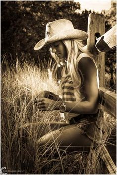 Photography Tips Beach Country Girl Cowgirl Sexy Cowgirl, Cowgirl Style, Western Style, Country Style, Cowgirls, Picture Poses, Picture Ideas, Photo Ideas, Hot Country Girls