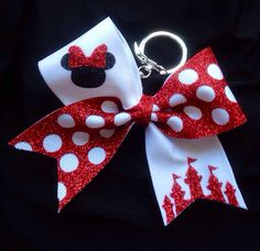 Minnie Mouse Red glitter Cheer Bow key chain by TheHairCandyShop Disney Cheer Bows, Cute Cheer Bows, Cheer Mom, Fete Ideas, Disney Hair, Cheer Gifts, Diy Keychain, Diy Hair Bows, Red Glitter