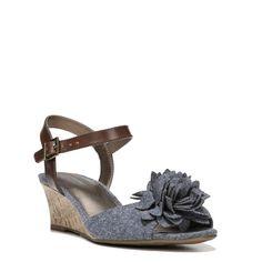 fa31e9ece9f Lifestride Women s Paula Medium Wide Wedge Sandals (Denim) - 5.0 M Ankle  Strap