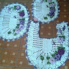 Sandra Roque Artesanatos: Jogo de banheiro com flores e joaninhas aplicadas ...