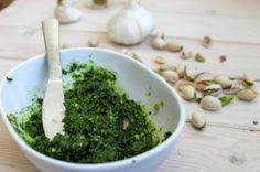 Raw Pistachio and Kale Pesto Recipe » The Homestead Survival
