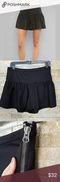 """Free People Ponte drop waist skort Free People textured skort features a drop waist and decorative side zipper.  Approx measurements while flat  Waist approx 16"""" Drop approx 5"""" Length 14.5"""" Free People Shorts Skorts"""