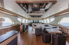 The Mangusta 165 - Main Salon