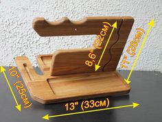 Present Christmas, Christmas Gifts - iWatch Stand, Docking Station, Charging Station, iWatch Wood, Desk organizer, office organizers, iPhone 6, iPad stand, Apple Watch Holder, Dock Apple Watch, Apple Watch Wood, Apple Watch wooden.   Used materials: Oak  Anniversary gifts for men require a tuned balance when buying, its practically an art form. Check our handmade desk organizer. It is designed to keep items like key chains, watches, glasses organized and to bring beauty to home or work…