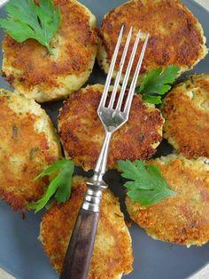 Kotlety warzywne są bardzo smaczne i tanie, zwłaszcza jeśli korzystamy z warzyw sezonowych. Można je podawać tak jak kotlety mięsne, z ziemn...