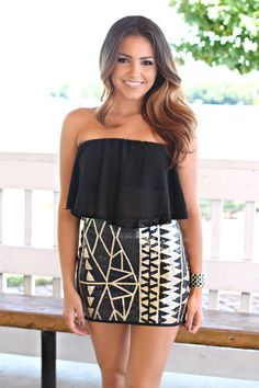 Love the top & skirt together<3