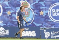 FC Porto 'visita' Madeira a tentar pressionar o Benfica