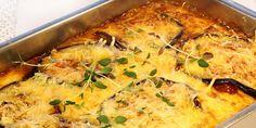 Moussaka er grekernes svar på lasagnaen. Rettene ligner mye, men i moussakaen er pastaen byttet ut med aubergine. Aubergine er ubrukelig før den blir utsatt for masse varme. Da blir den til gjengjeld svært medgjørlig og smaker nydelig sammen med tomat og kjøttsaus.