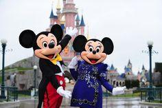 Mickey & Minnie Mouse Celebrates the Anniversary of Disneyland Paris in Style Disneyland Paris Park Tickets, Parc Disneyland, Disneyland Resort, Disney Parks, Disney Disney, Disney Dream, Disney Cruise, Disney Magic, Vacation