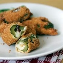 ActiFry recipes - fried pickles with cheddar cheese and bacon