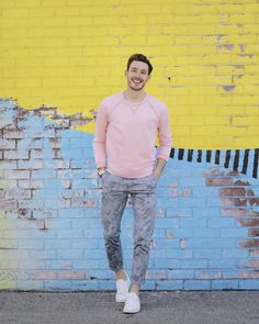 The beautiful spring weather called for a suitably spring-y Men's outfit, so I paired my new botanical garden chinos with this millennial pink sweatshirt. The sweater actually matches the sofa in my living room – take the tour!