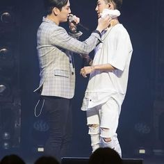 Look at the way Himchan wipe Yongguk's sweat also how Yongguk looking at caring Himchan 😳 This is what we call chemistry ❤ #BAP #Himchan #Yongguk #BangHim #BangChan #banghimisreal #OTP #love #romantic #LOE2016