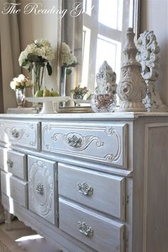 Once upon a time (ahem--many amonth ago) I stumbled upon my favorite   ANTIQUE HEADBOARD ...      Remember?   The very headboard th...