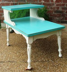 DIY Friday - Turquoise & Antiqued White End Table | Facelift Furniture decor, coffee tables, idea, turquoise, kitchen tables, colors, white, furniture refinishing, end tables