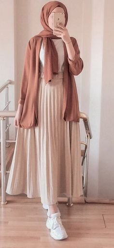 Hijab Fashion Summer, Modest Fashion Hijab, Modern Hijab Fashion, Street Hijab Fashion, Hijab Fashion Inspiration, Islamic Fashion, Muslim Fashion, Mode Inspiration, Look Fashion